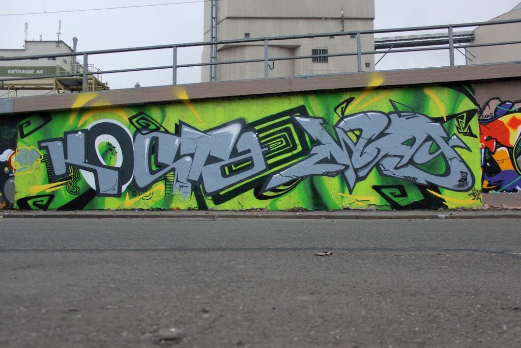 Graffiti in Erfurt - 2017 von Max Kosta und Zway RDF